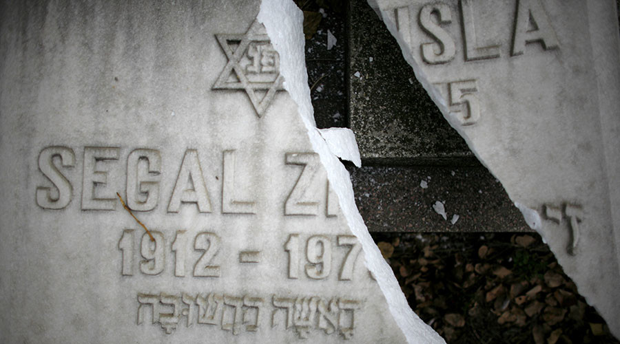 Jewish community shocked as Bucharest cemetery vandalized on Holocaust Remembrance Day