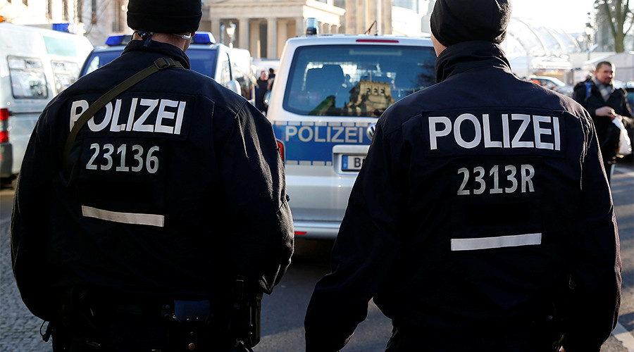 Police shoot & injure man at Berlin hospital after he threatened officer 'with weapon'