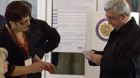 Leader of Armenia's ruling Republican party, President Serzh Sargsyan, casting his vote. © Asatur Esayants
