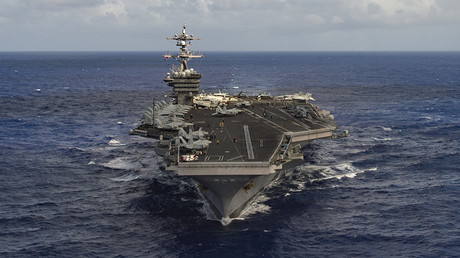 The aircraft carrier USS Carl Vinson (CVN 70) transits the Pacific Ocean © Reuters