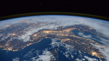 'Politicians draw borders, but you can't see them from space': NASA astronaut Wheelock to RT