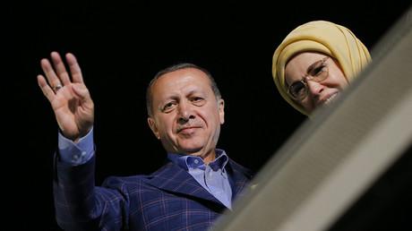 Turkish President Tayyip Erdogan and his wife Emine © Murad Sezer