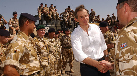 Britain's Prime Minister Tony Blair meets British troops, Iraq, May 29, 2003. © Stefan Rousseau