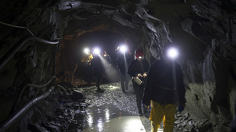 Mine collapse in Siberia leaves 2 dead, 1 in emergency care