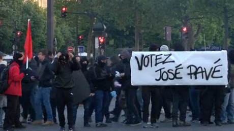 Protests, violence & vandalism on streets of Paris after 1st round of presidential election