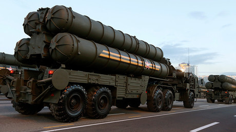 Russian S-400 air defence mobile missile launching systems © Vasily Fedosenko