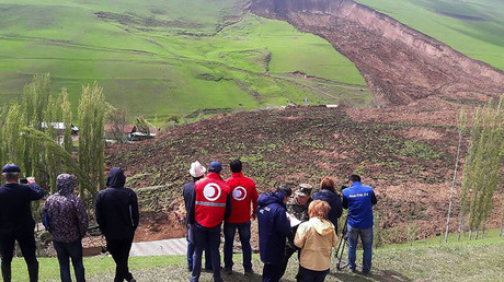 Dozens including children buried in massive landslide in Kyrgyzstan - report (PHOTOS, VIDEO)
