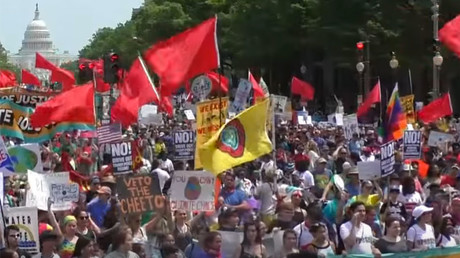 Hundreds of thousands join Climate March in Washington, DC