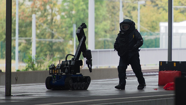 hannover evacuates 50 000 people in 2nd largest allied bomb disposal since wwii rt news. Black Bedroom Furniture Sets. Home Design Ideas