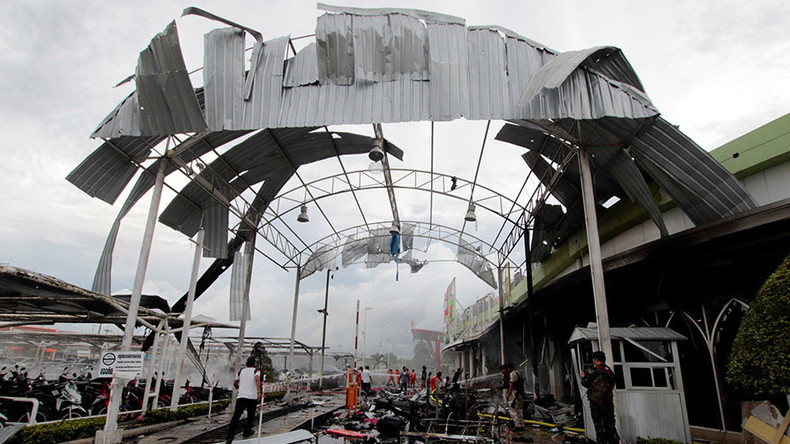 Over 50 wounded in double bombing outside supermarket in Thailand (7.48 15) d0a8e7cac89c