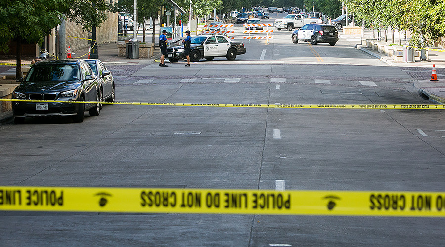 1 dead, 3 injured in stabbing at University of Texas at Austin