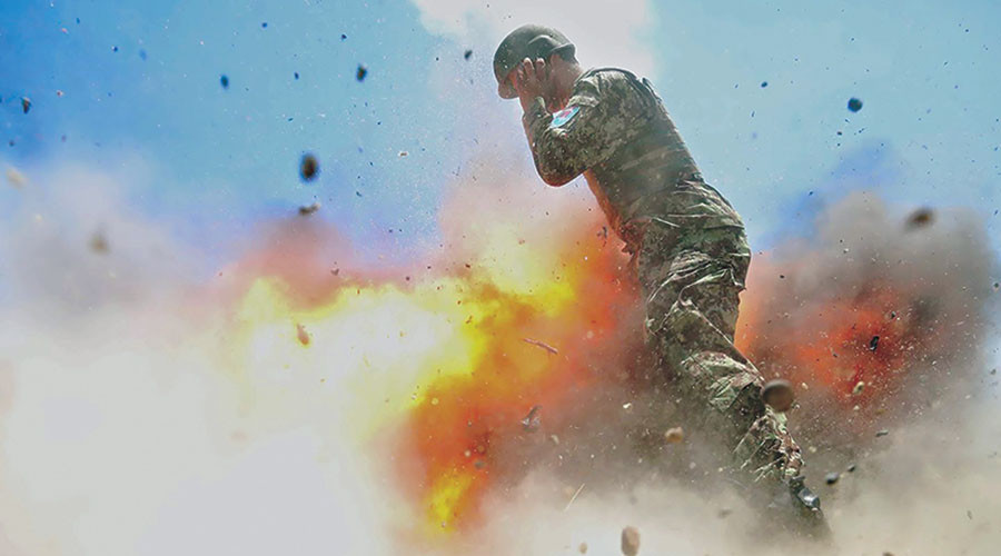 Powerful images of US soldier's final moment released  (GRAPHIC PHOTOS)