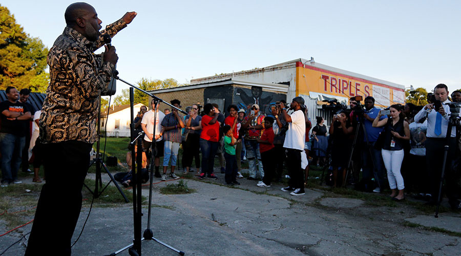 Louisiana investigating fatal police shooting of Alton Sterling
