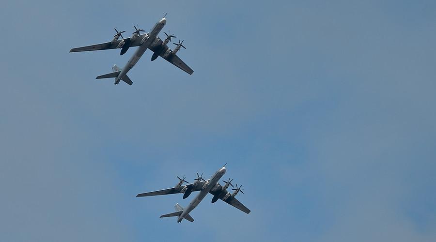 Russian bombers & jets intercepted amid routine flight off Alaska coast, US media cries provocation