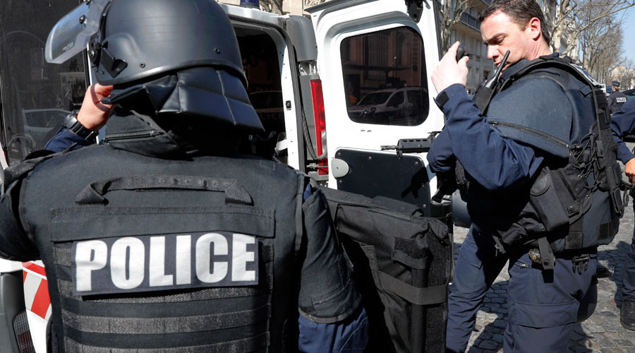 Radicalized man detained near military base in France, ISIS flags found in car – prosecution sources