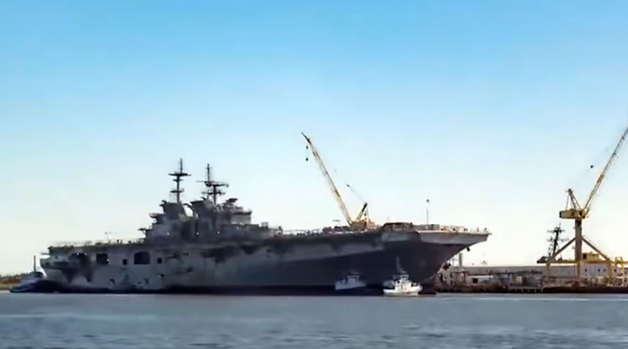 US Navy launches colossal 46,000 ton warship (VIDEO)
