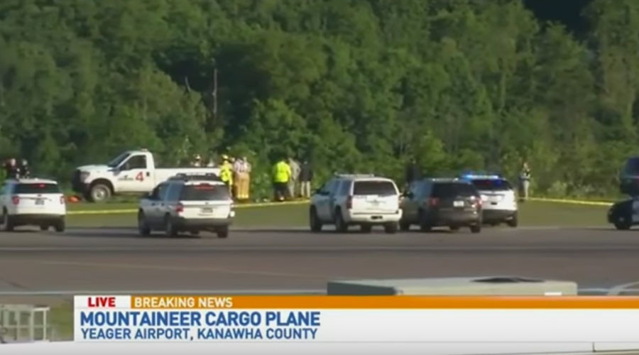2 dead after cargo plane crashes at West Virginia airport