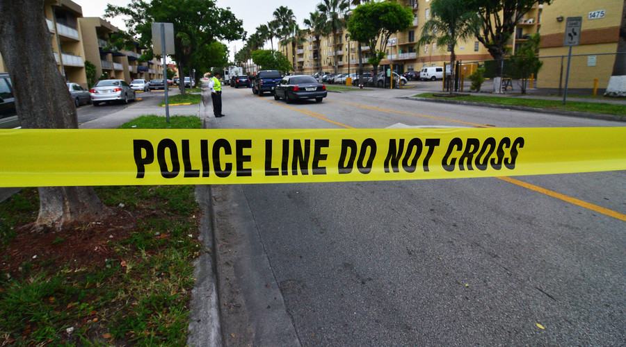 California cops shoot 15yo teen with air gun dead in front of school