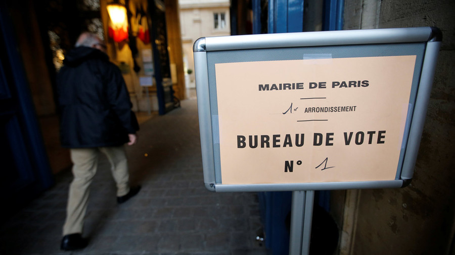 French voters elect Macron in presidential run-off