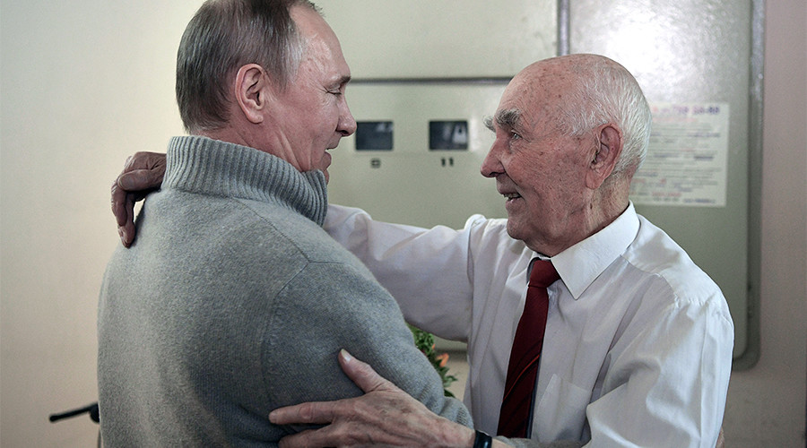 Putin visits his former KGB boss on his 90th birthday (VIDEO)