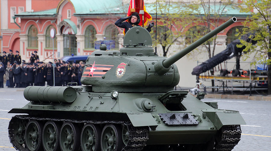 Ride V-Day military hardware through Moscow with RT's 360 videos