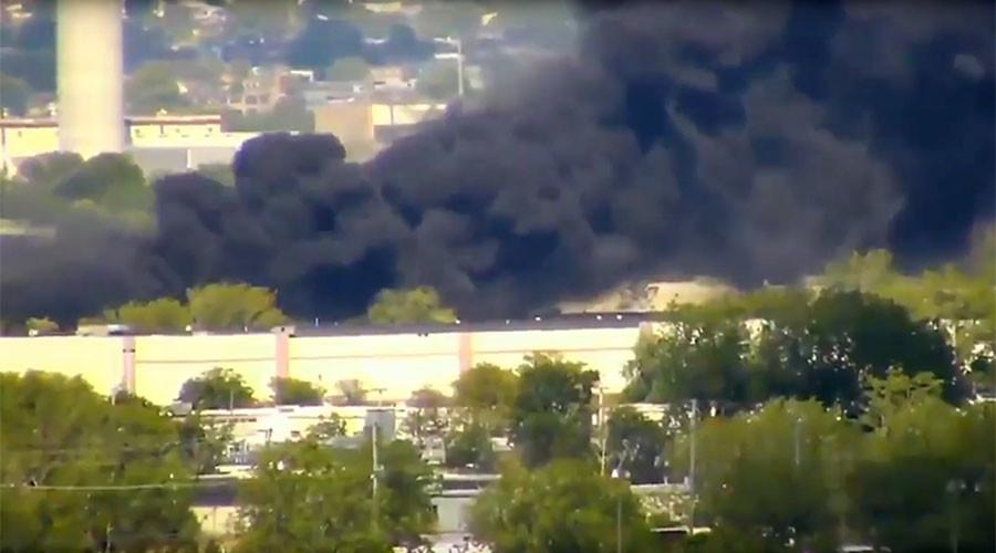 2 dead in New Jersey plane crash, 3 buildings set ablaze