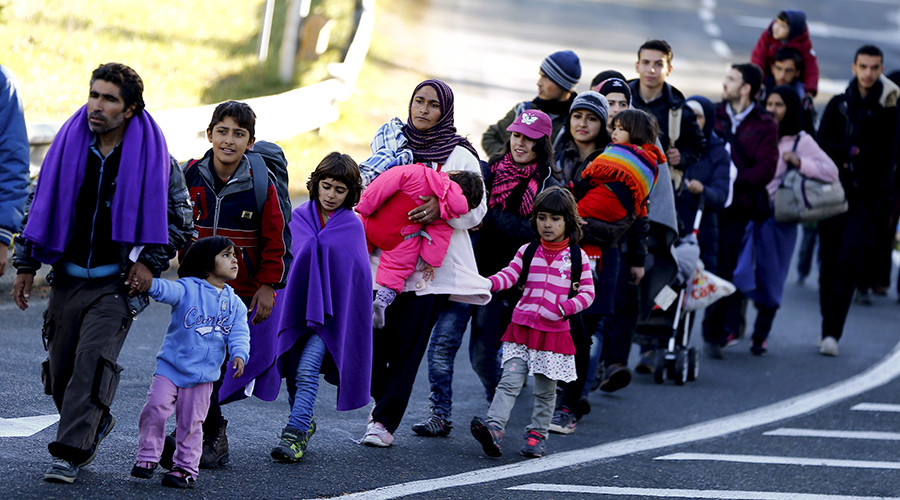 Taking in refugees 'much worse' than EU sanctions – Polish interior minister