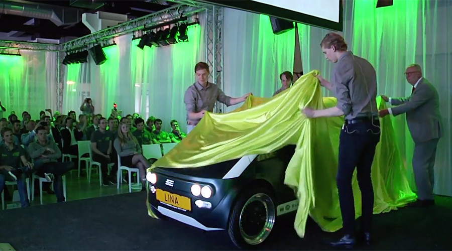 Pedal to the flax: Dutch students present first biodegradable car (VIDEO)