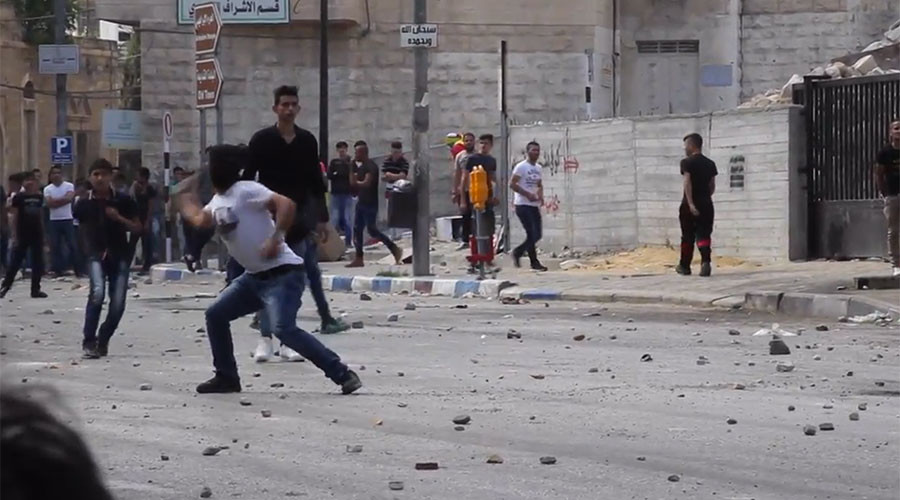 IDF use rubber bullets & live ammo to quell Palestinian protests in West Bank, Gaza (VIDEO)