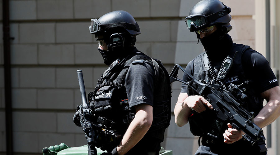 Manchester police arrest suspect and carry out raids in terrorist attack probe (PHOTOS, VIDEOS)