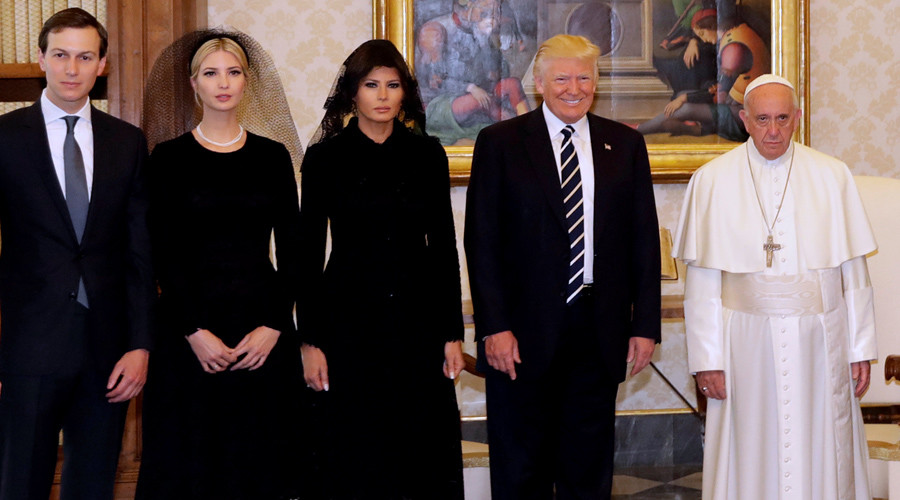 Pope denies Trumps 'white privilege' during visit (PHOTO)