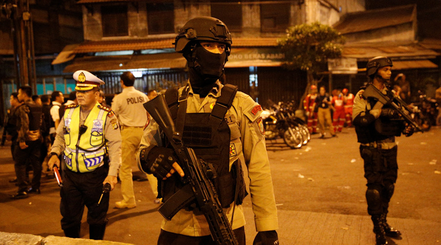 Two dead after suicide bombings at Jakarta bus station (GRAPHIC VIDEO)