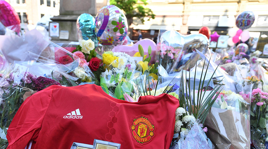 #ACityUnited: Manchester football teams jointly donate £1mn to emergency fund