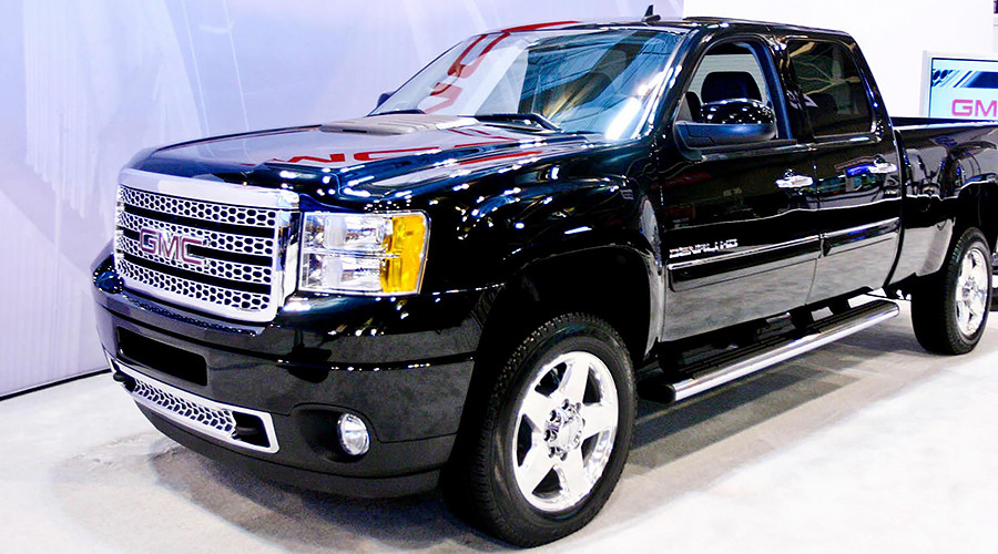 gm accused of emissions cheating for diesel pickups in new lawsuit rt america. Black Bedroom Furniture Sets. Home Design Ideas