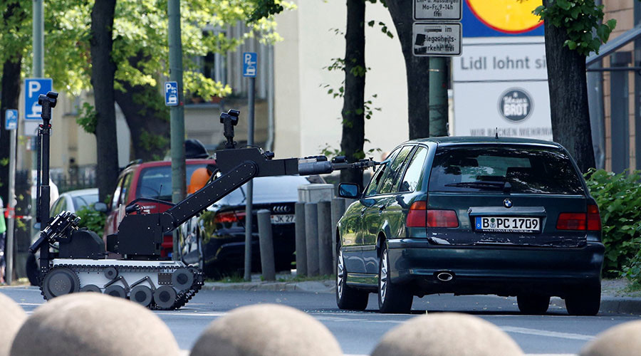 False bomb alarm after car with diesel canister & wires found at Berlin kindergarten (PHOTO, VIDEO)