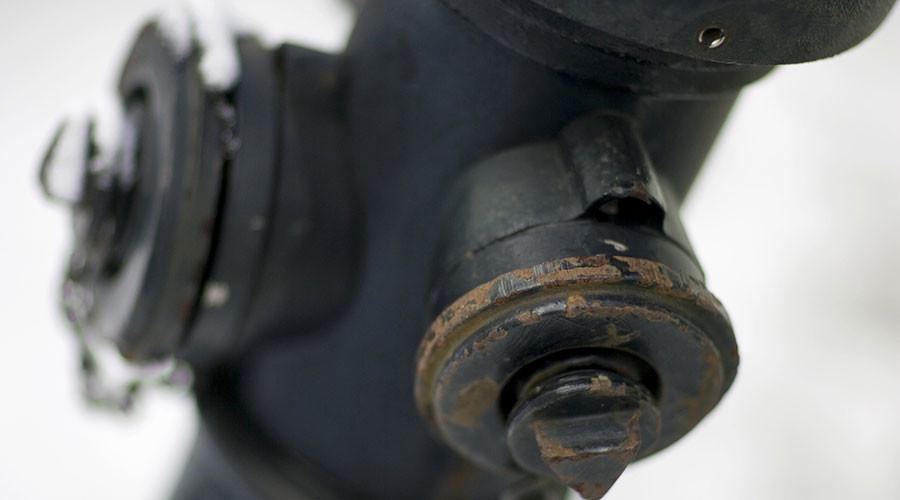 France heat wave: Locals break 300 fire hydrants in bid to beat high temperatures
