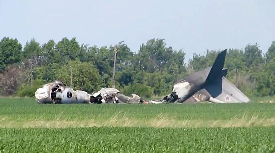 Russian military plane crash kills 1, injures 5