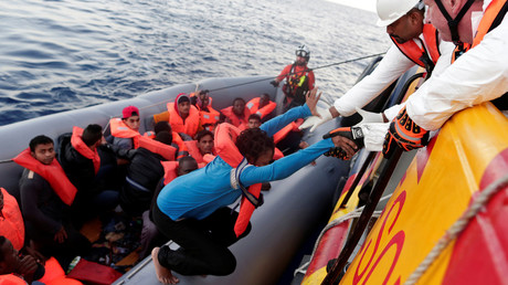 Italian media reports MSF crew are under investigation for role in migrant rescue © Yara Nardi