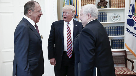 US President Donald Trump (C) speaking with Russian Foreign Minister Sergei Lavrov (L) and Russian Ambassador to the U.S. Sergei Kislyak © Russian Foreign Ministry