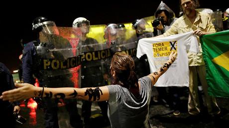 A protest against Brazil's President Michel Temer, Brazil, May 18, 2017. © Ueslei Marcelino