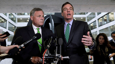 Senate Intelligence Committee Chairman Richard Burr (L) and ranking member Senator Mark Warner © Kevin Lamarque