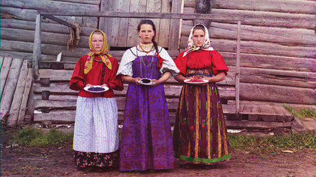 #1917CROWD: Amazing color photos of Russian Empire's final years & the man who took them