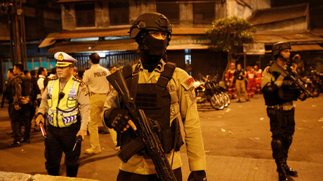 At least 2 dead after suspected suicide bombings at Jakarta bus station (GRAPHIC VIDEO)