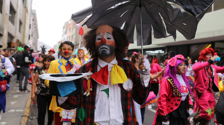 100s mark Clown Day in Peru, while demanding its recognition