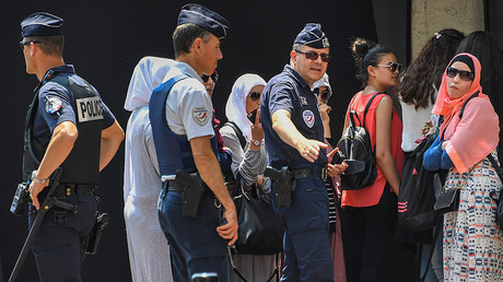 9 women arrested after gathering for 'burkini party' in Cannes