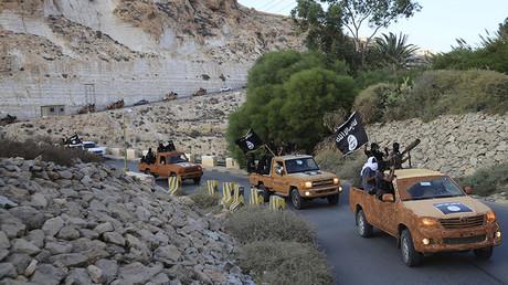 FILE PHOTO: An armed motorcade belonging to members of Derna's Islamic Youth Council, Derna, eastern Libya © Reuters