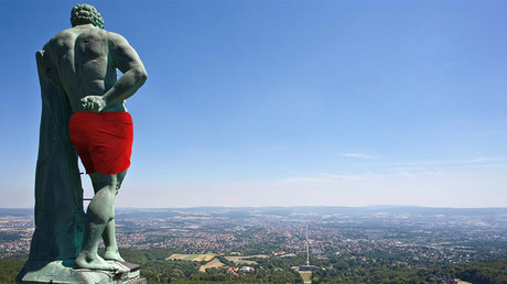 Hercu-less: Facebook censors 300yo nude German statue, prompting digital 'cover-up'