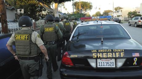 Los Angeles County Sheriff's Department deputies © Reuters