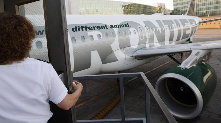 Frontier Airlines bars blind man & granddaughter from flight