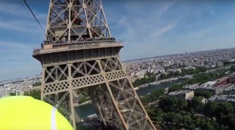 Zip wire 2.0: Human 'tennis balls' flung from Eiffel Tower at 90kph (VIDEOS)